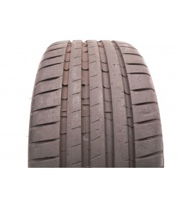 1 used tire 225 40 19...
